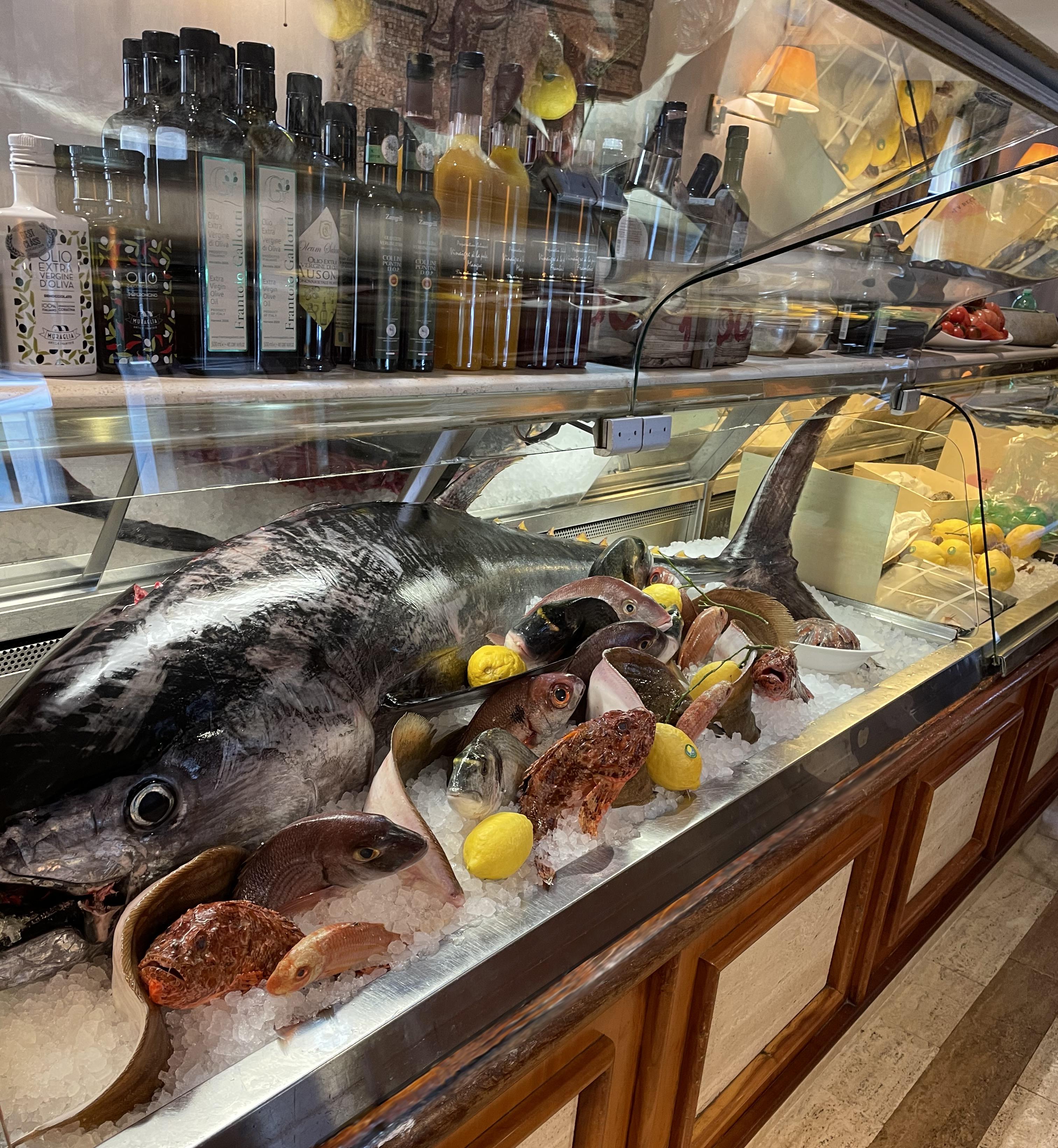 ai_piani_ristorante_roma_parioli_pesce_fresco_mostra_dinner_cena_romantic_lunch_pranzo_rome_nord_tonno